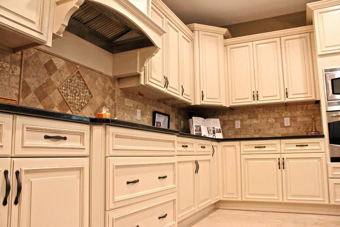 Range Hood Pictures Ideas Gallery Baroque Dish Drying Rackin Kitchen Traditional With Dress Up